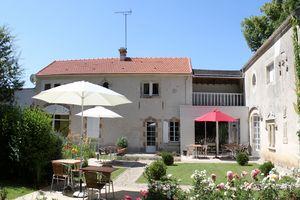 Détails : Auberge de la Court d'Aron: Restaurant & Chambres d'hôtes de charme en Vendée