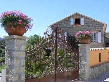 Détails : La Villa Guidi: Chambres d'hôtes de charme en Corse-du-Sud